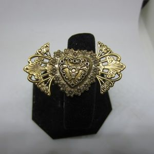 Jewelry - Heart with wings Brooch